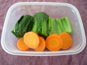 おいしっくす小松菜と人参の温野菜